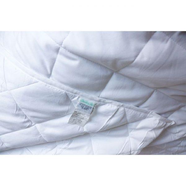 Twin Small Pocket Comforter